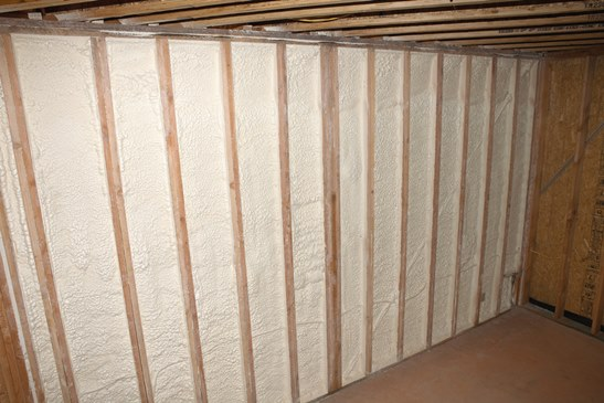 What Insulation Should Be Used In Walls Diffe Material Can Installed Including N Loose Fill Batts And Spray Foam For Existing Homes
